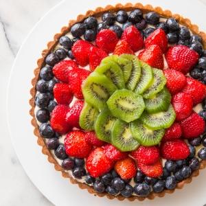 Fresh Fruit Tart with Mascarpone and Honey